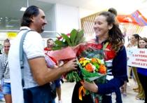 От 3 до 6: Российские медалисты Олимпиады уехали от Медведева на BMW