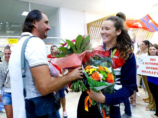 Д. Медведев вручил медалистам Олимпиады ключи от БМВ