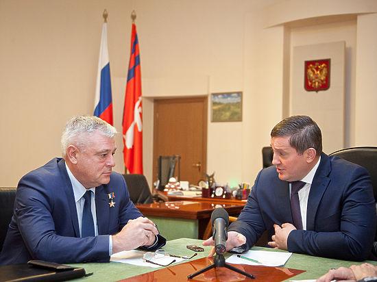 Губернатор Андрей Бочаров провел встречу с областным  омбудсменом Валерием Ростовщиковым