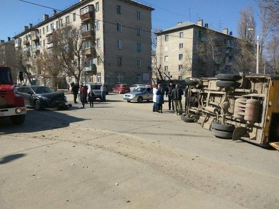 Волгоградские перевозчики не хотят убирать с дорог «убитые» маршрутки
