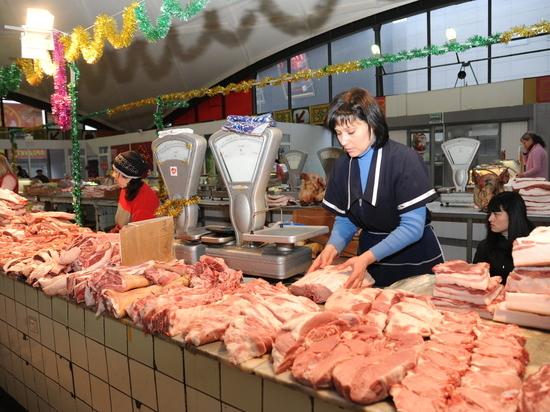 Предприниматели Ворошиловского рынка получили от власти гарантии работы