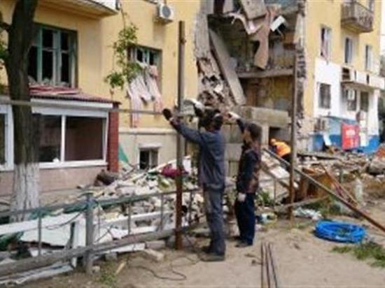 Разрушенный взрывом дом в Волгограде обнесут двухметровым забором