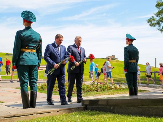 В Волгограде на Мамаевом кургане открыли памятник войнам-дальневосточникам