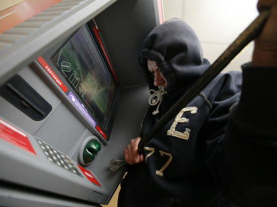 Задержаны трое подозреваемых в несостоявшемся ограблении банкомата