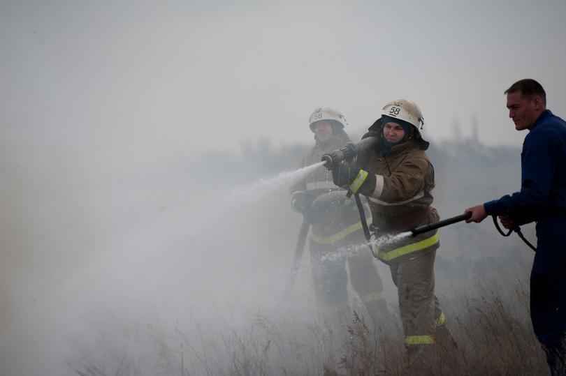 Иномарку подожгли в основном районе Волгограда вночь начетверг