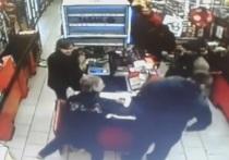 Кассир подмосковного магазина ударила покупателя из-за спорного ценника