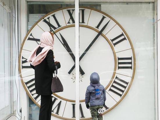 «Временные» дебаты: волгоградцы обсуждают, какой часовой пояс удобнее