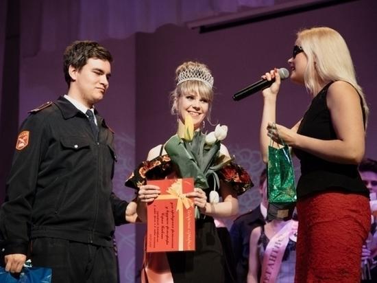 Незрячие девушки Волгограда приняли участие в конкурсе красоты
