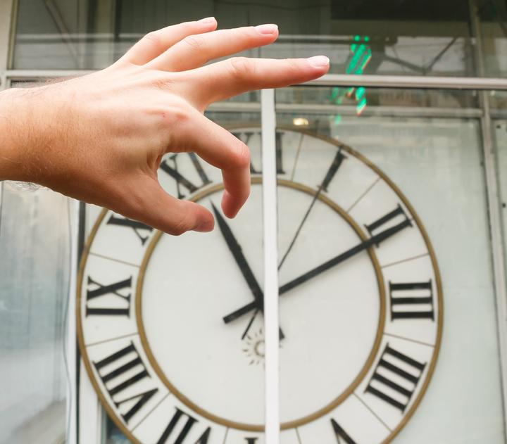 Народные избранники  Волгоградской облдумы обратились в Государственную думу  сзаконопроектом опереводе стрелок часов