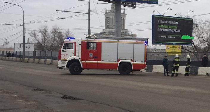 ВВолгограде перекрыли Комсомольский мост из-за подозрительного предмета