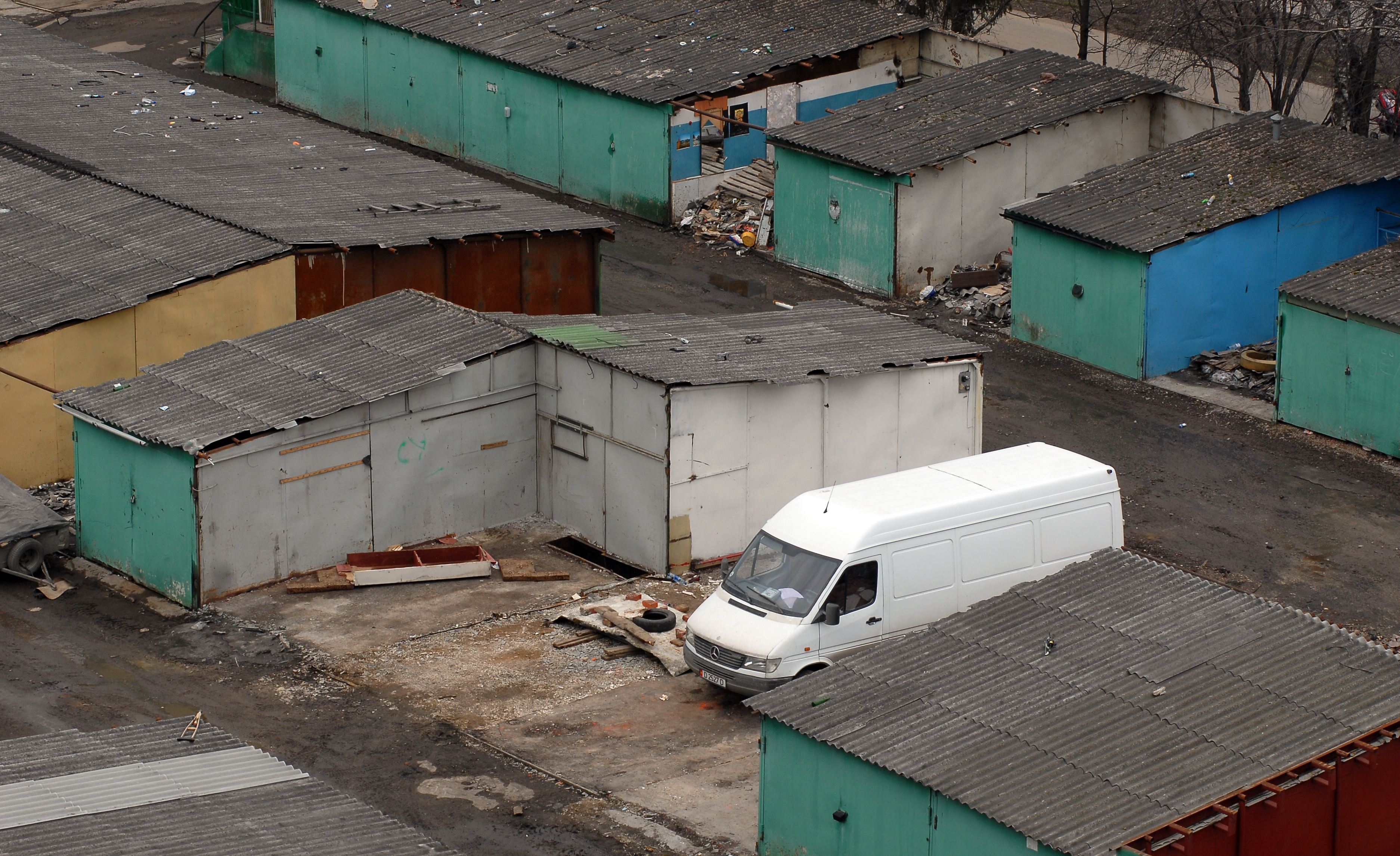 Охранники кооператива вВолгограде закрыли вора вгараже