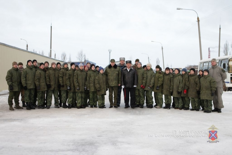 ВВолгограде набазе СОБР открылась зимняя смена патриотического лагеря