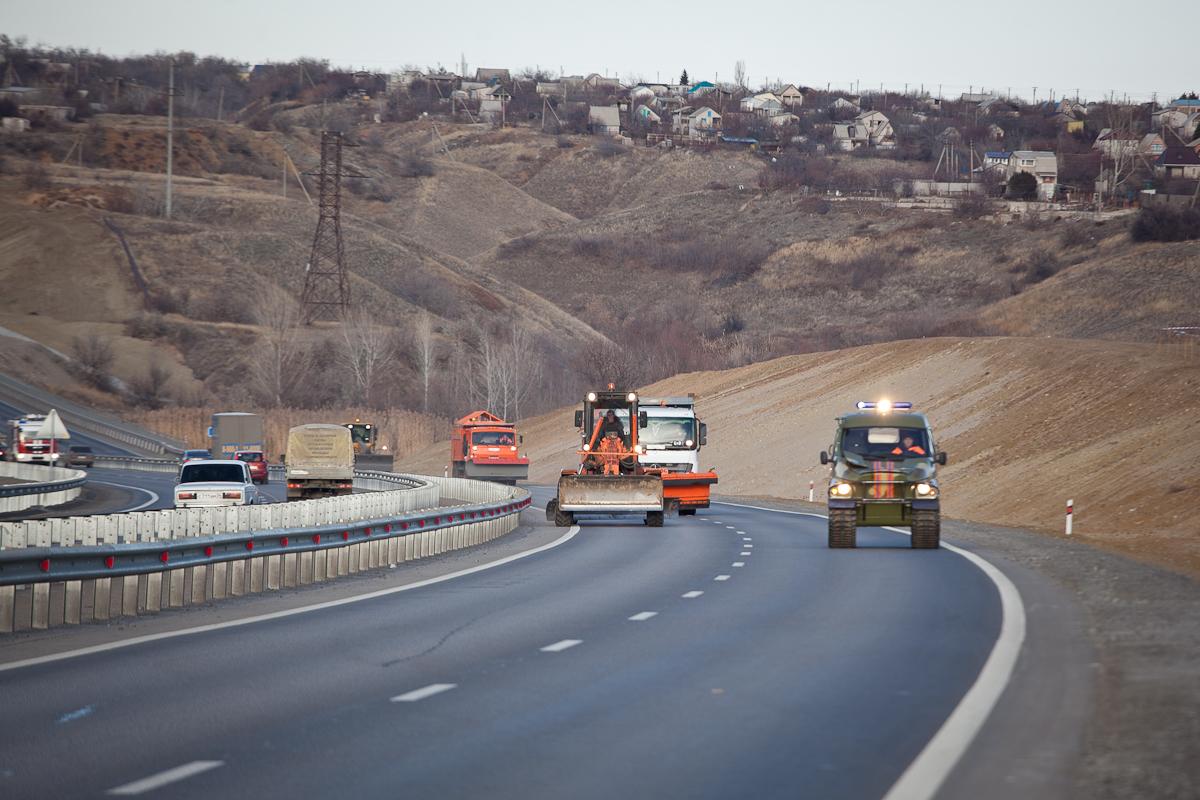ВВолгоградской области готовятся расчищать дороги отснега