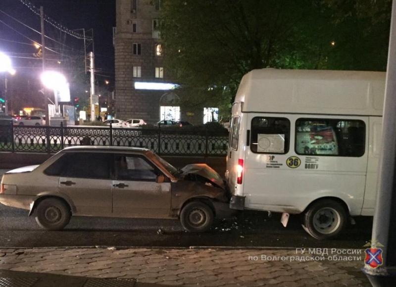НаПервой Продольной «девяносто девятая» протаранила маршрутку №36
