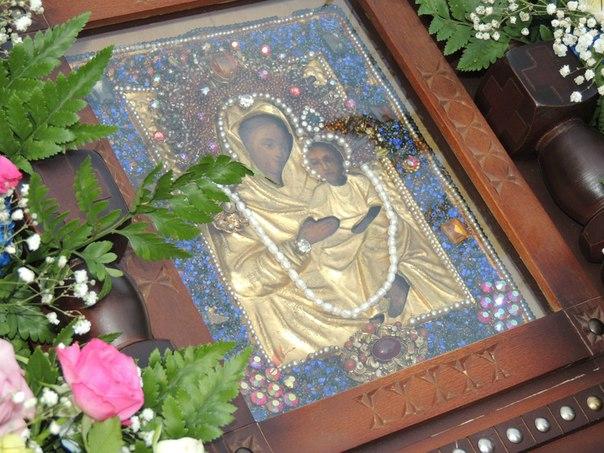 ВВолгоград доставили чудотворную икону изУрюпинска