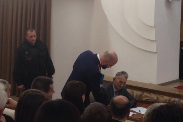 Наглазах угубернатора задержали проштрафившегося управляющего завода