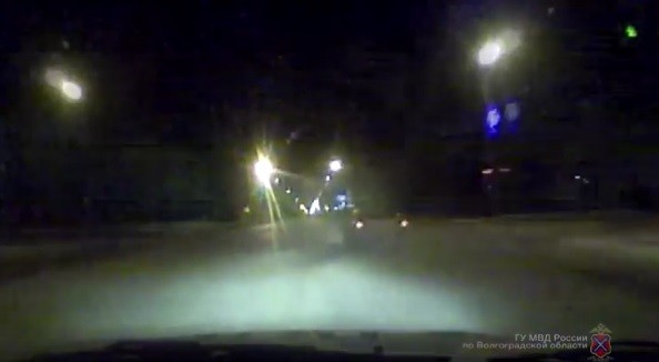 Несколько экипажей ДПС устроили погоню за нетрезвой автоледи под Волгоградом