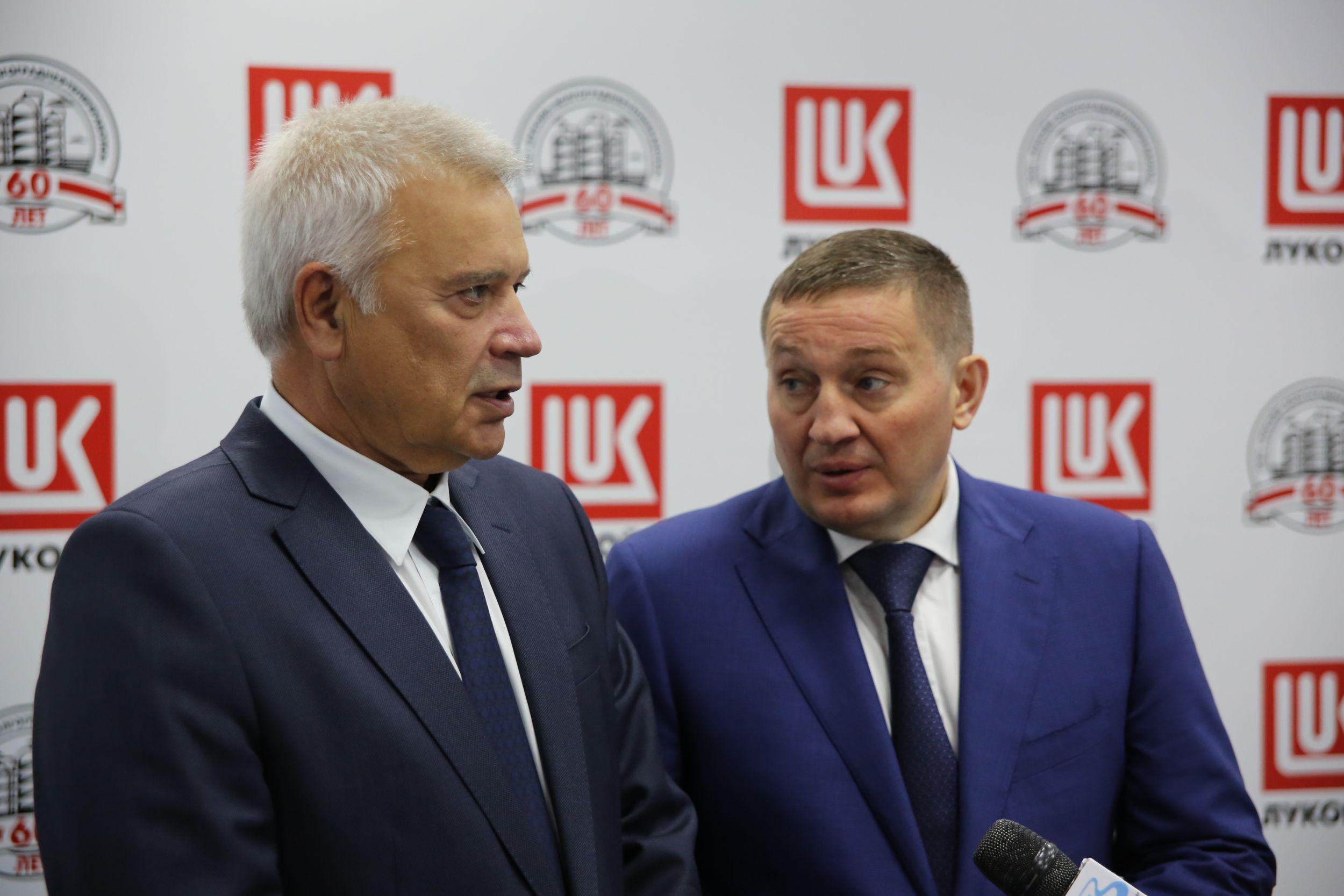 Андрей Бочаров проинспектировал осуществление уличных работ на 2-ой продольной автодороги