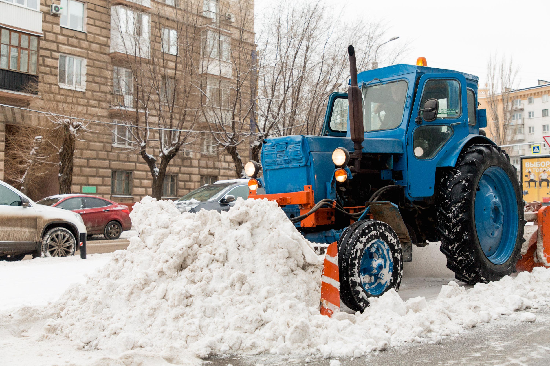 78 машин специальной техники чистят волгоградские дороги