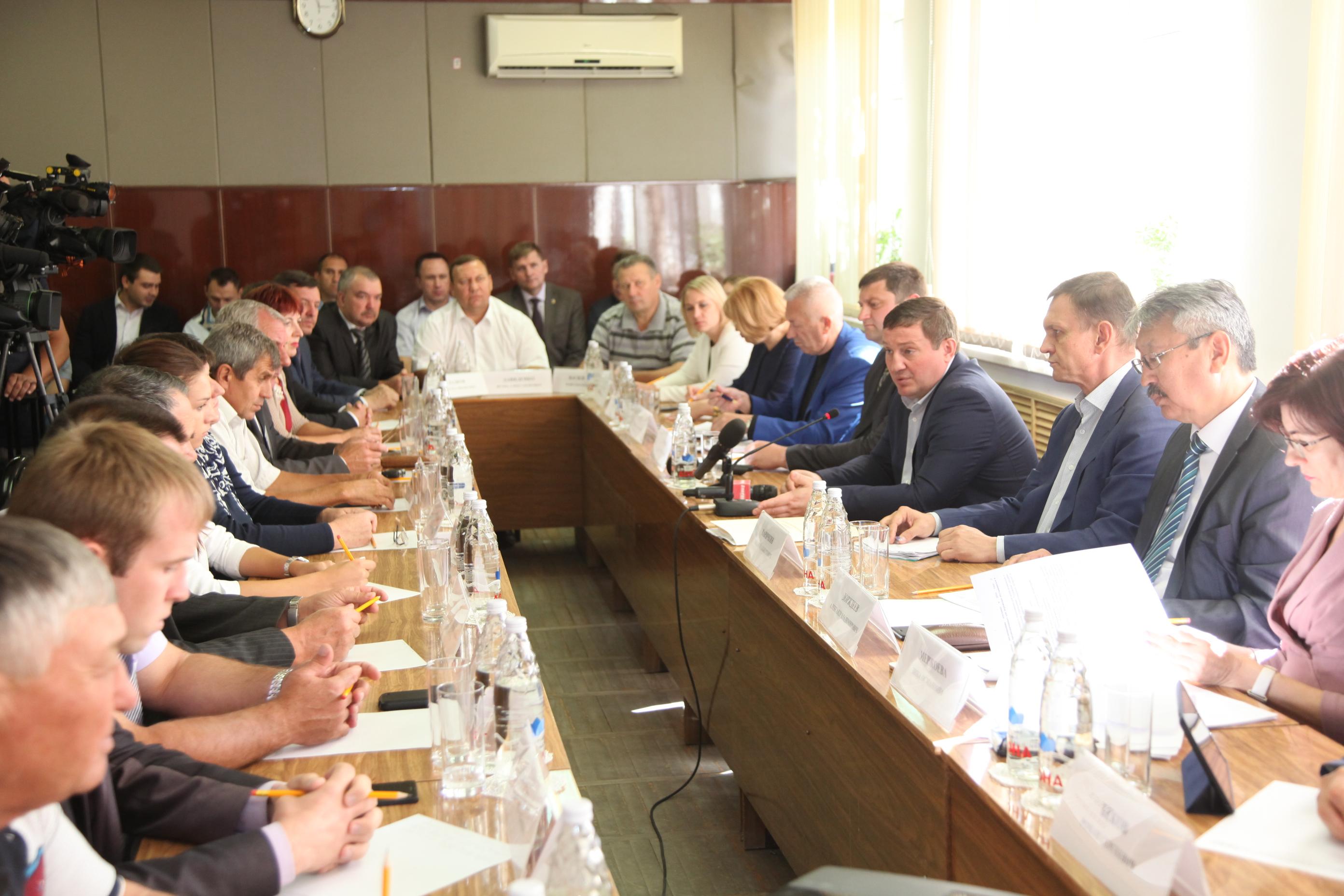 «Собор Александра Невского строится высокими темпами»— Андрей Бочаров
