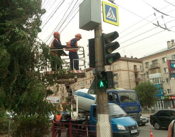 Наюге Волгограда установили очередной новый светофор