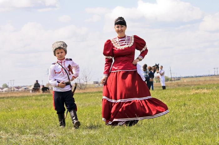 Волгоградцы увидят фото детей вкостюмах 30 народов Российской Федерации