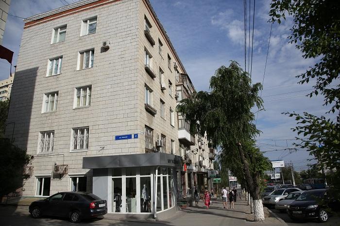 Граждане аварийного дома наНевской начали получать первые компенсации
