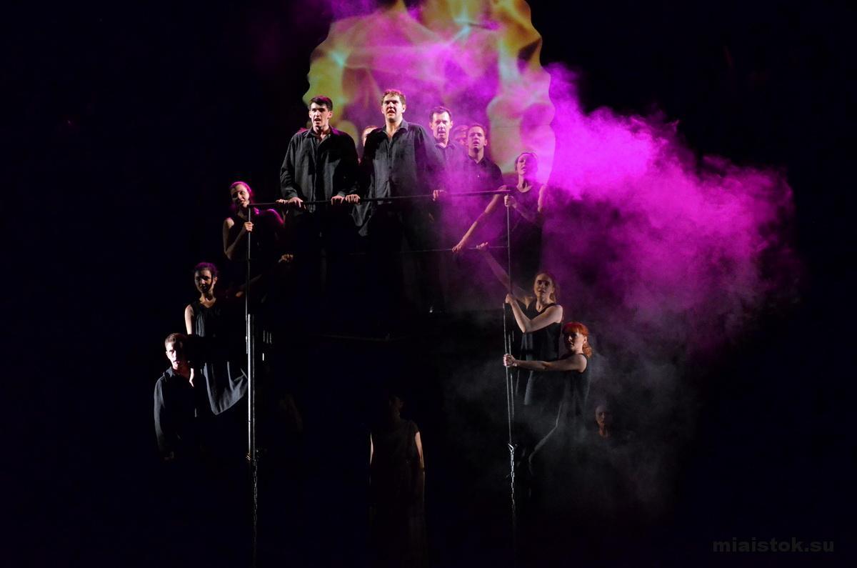 Луганский театр покажет вВолгограде рок-оперу омолодогвардейцах