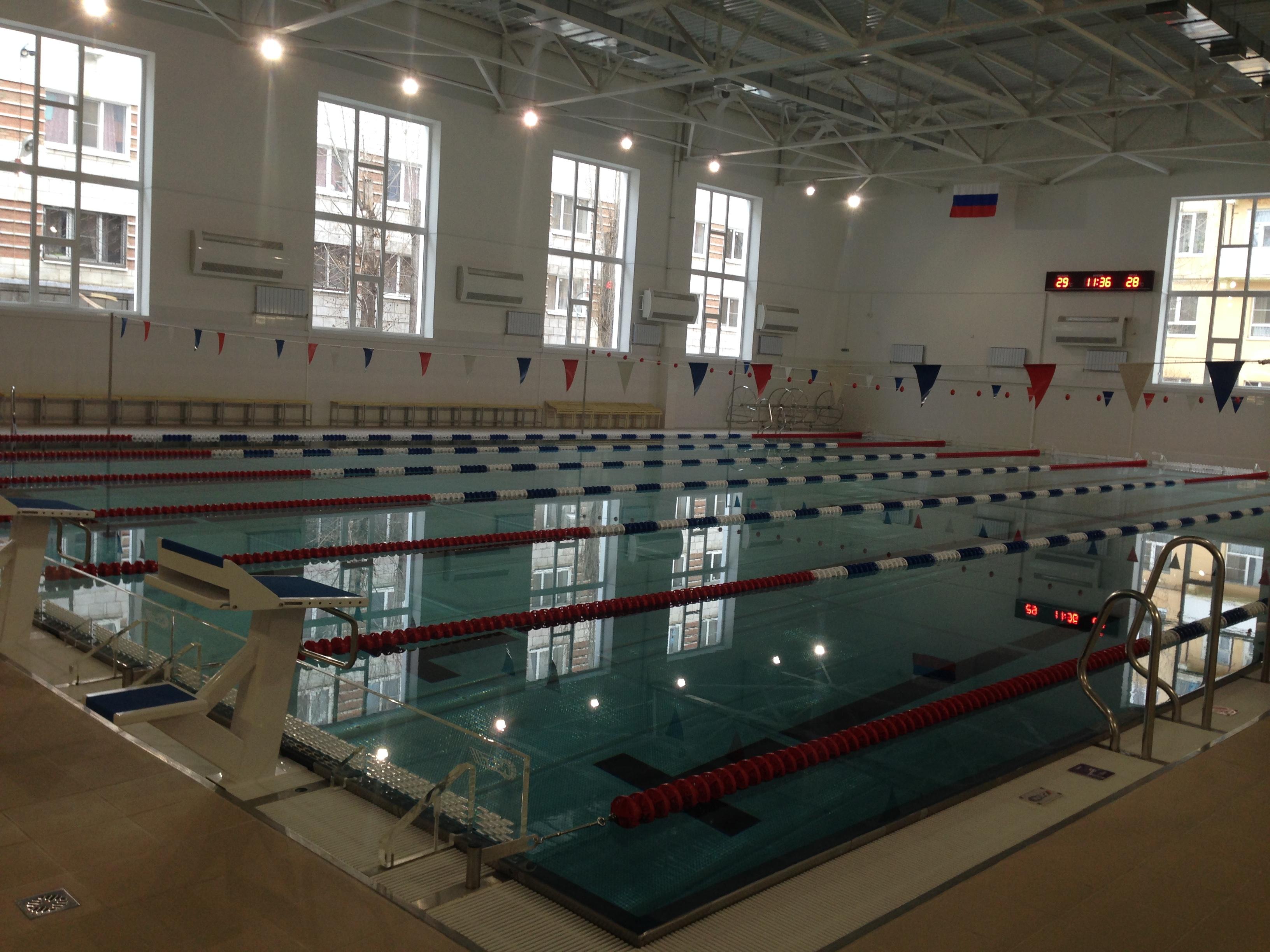 Новый бассейн вВолгограде проверил руководитель региона