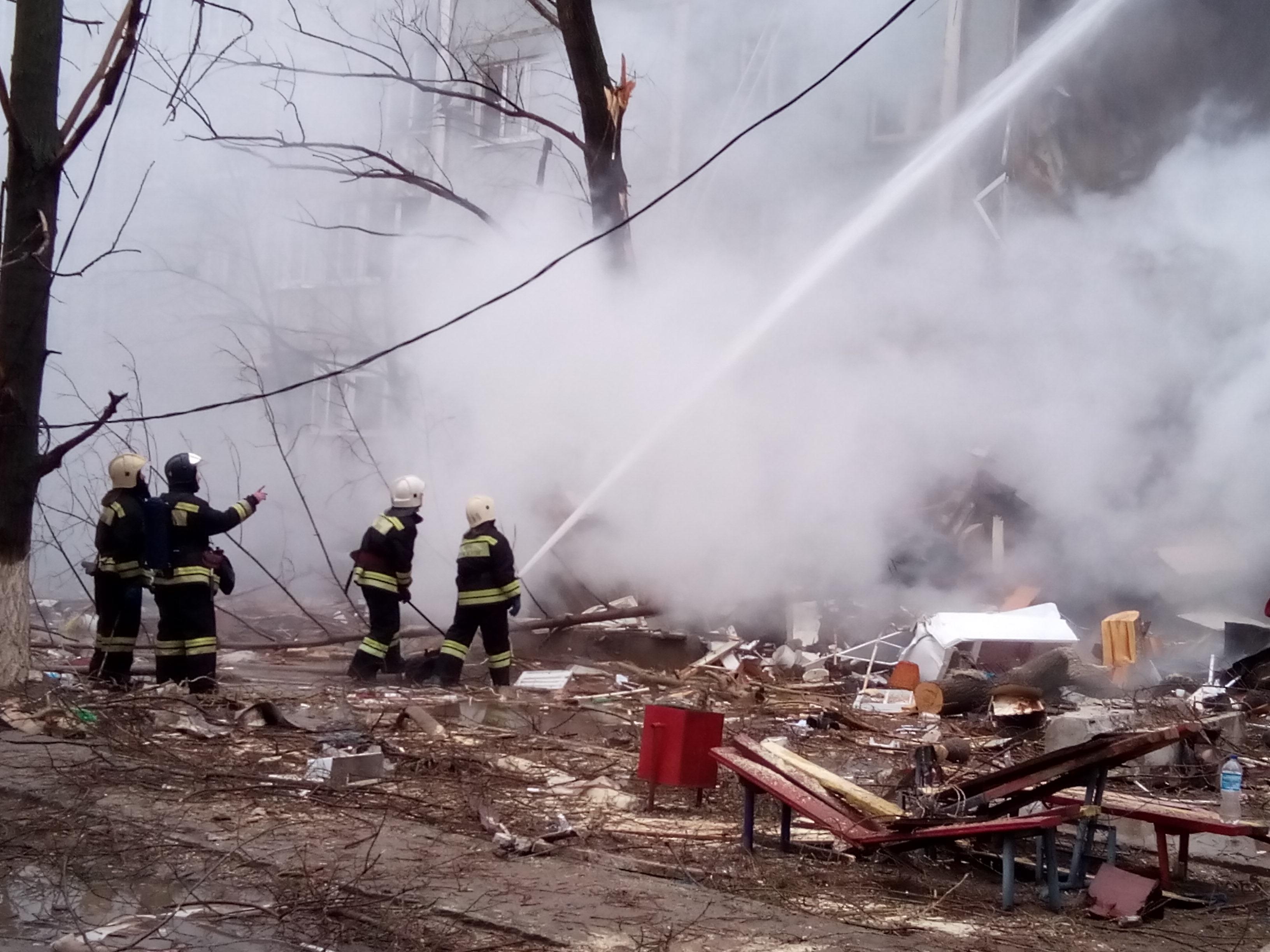В Волгограде в 9-этажке прогремел взрыв, обвалилось 4 этажа, есть пострадавшие