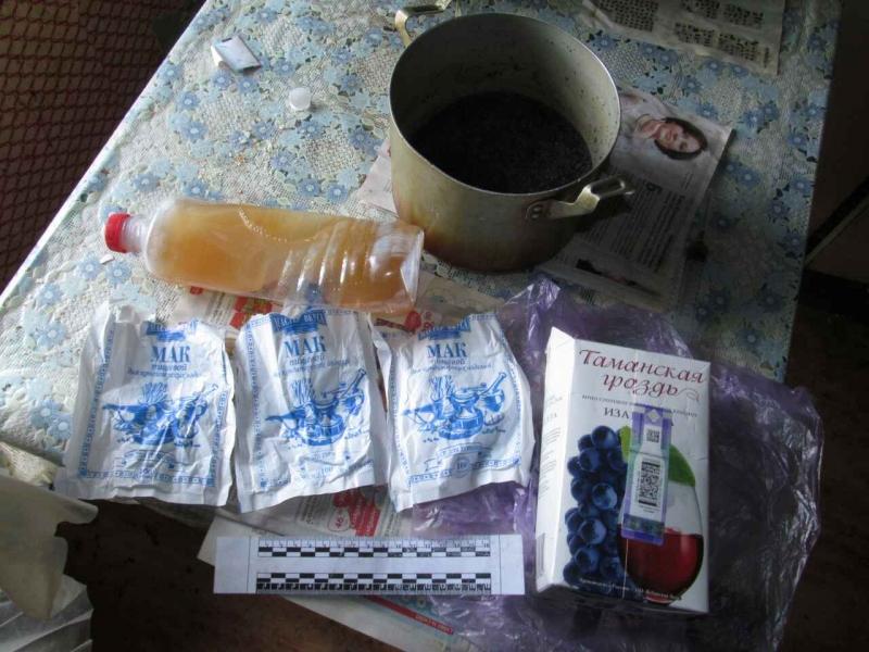 Волгоградские полицейские накрыли наркопритоны в 2-х домах