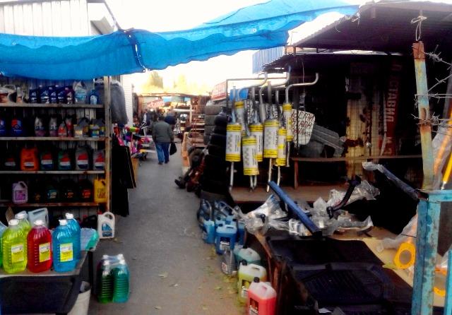 Преступный рынок автомобилей демонтируют вСоветском районе Волгограда